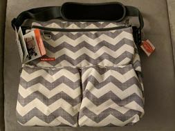 Skip Hop Dash Signature Messenger Diaper Bag, Chevron New w/