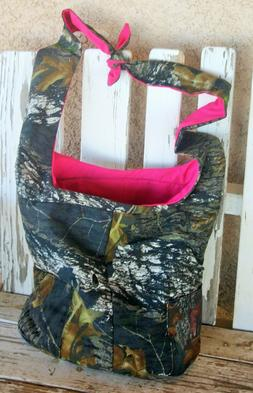 diaper bag with adjustable strap in mossy oak and pink cotto
