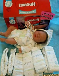 Huggies Little Snuggler Micro Preemies Up to 4.85 Lbs. Box o